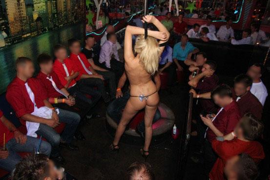frau fistet mann nightclub lörrach